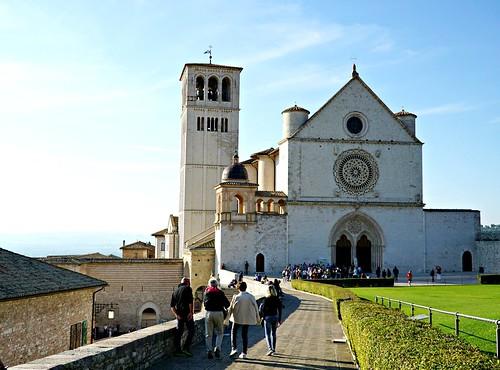 Pyhän Fransiskuksen basilika Assisissa | by helipekkarinen