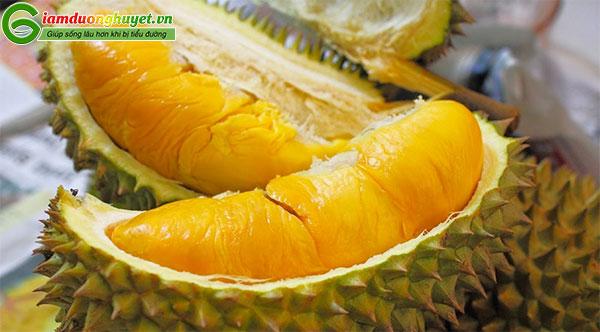 Mặc dù sầu riêng rất hấp dẫn nhưng chúng có chứa nhiều đường, làm tăng đường máu sau ăn nhanh chóng