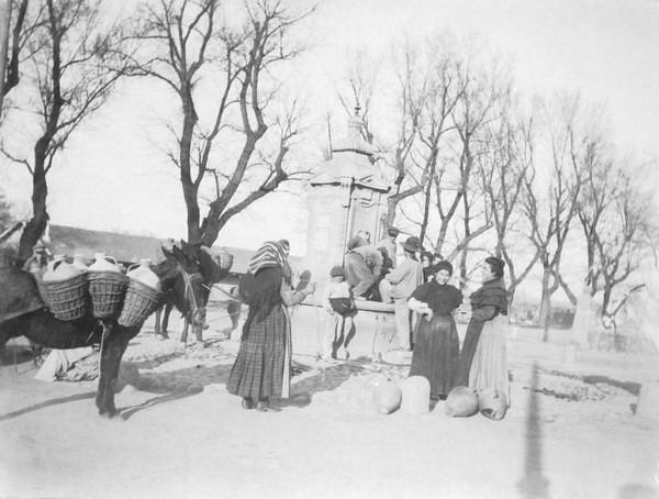 Fuente de Cabrahigos entre 1900 y 1910. Foto de Nahum Sokolow. © Central Zionist Archives / Harvard University, Judaica Division. Widener Library. Harvard College Library, W727805_3
