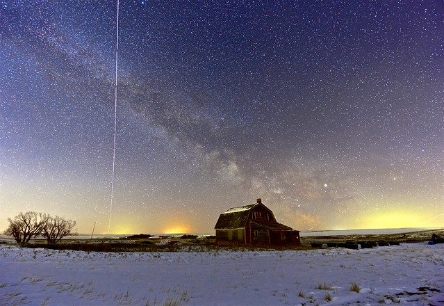 Trace of ISS across the Milky Way