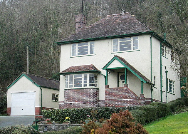 Art Deco Style House, Pant, Shropshire from Right.