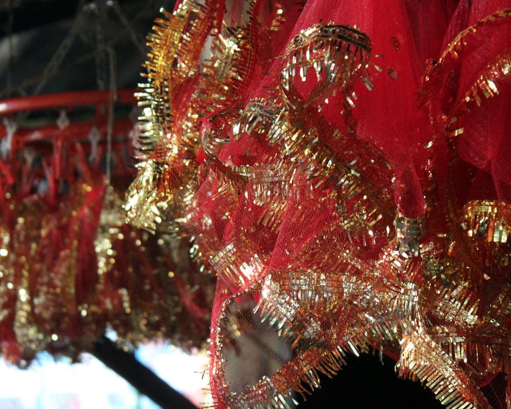 kolkata red and gold