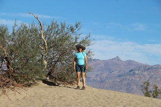0399 Vicki posing at the Mesquite Flat Sand Dunes along Highway 190 in Death Valley | by _JFR_