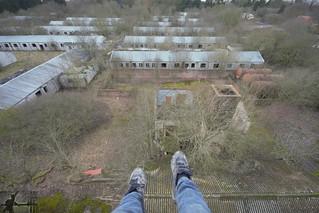 Dangling   by kpurbex