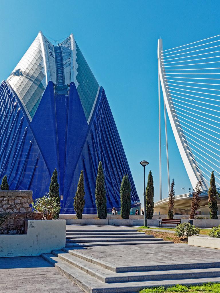 L'Agora and Assut de L'Or Bridge by Santiago Calatrava - Valencia ( Olympus OM-D EM5-II & M.Zuiko 17mm f1.2 Pro Prime)