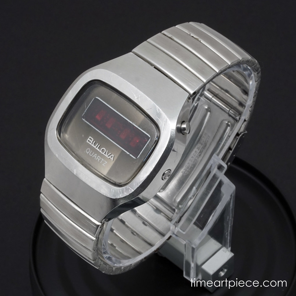 Bulova N6 digital LED quartz watch