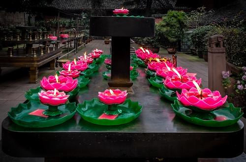 Lotus Candles at Baoguo Temple (Emeishan, Sichuan, China. Gustavo Thomas © 2019)