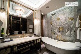 Huge lavish bathroom | by thewanderingeater