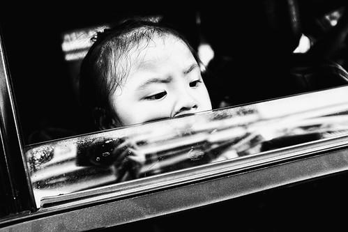 meljoesandiego fuji fujifilm x100f streetphotography closeup candid monochrome philippines reflection