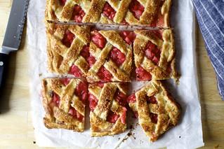 extra-flaky pie crust | by smitten kitchen