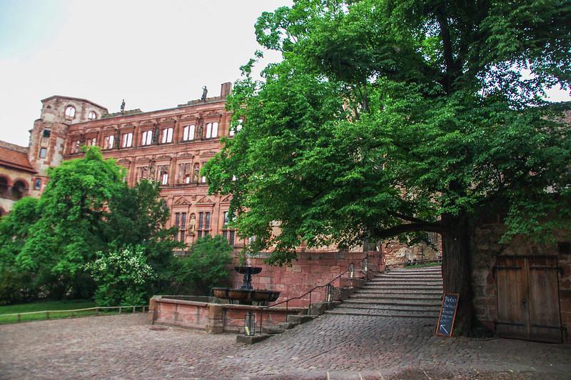 奧圖亨利伯爵宅邸
