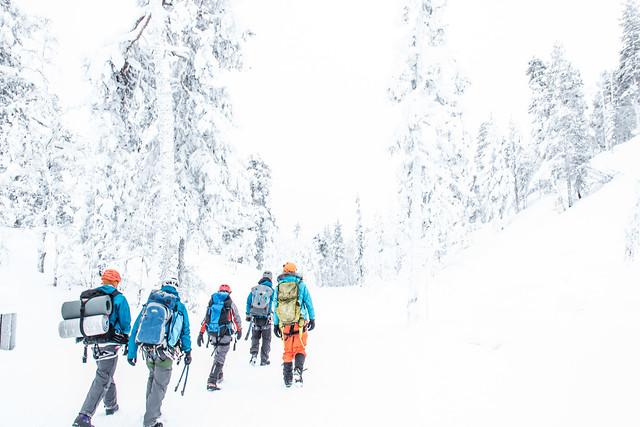 Finland-pyha-luosto-walking2