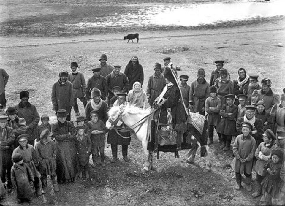 Окрестности Якутска. Праздник Ысыах в Чурапче. 1902  (2)