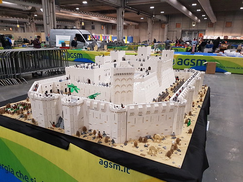 Krak des Chevaliers - Refit 80,000 pieces approximately  120 hours 400 minifigures Exposed this week end at Model Expo Italy 2019, Verona
