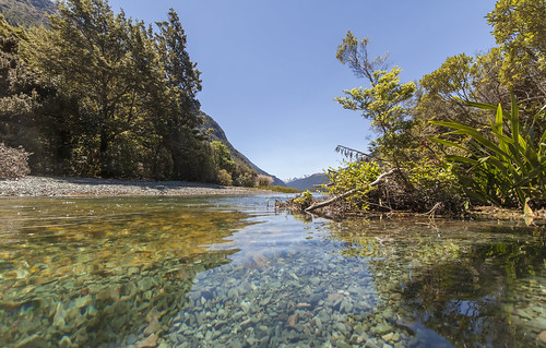 newzealand nature natur landscape landschaft scenic outdoors water river lake mountains etherington fiordland national park nationalpark southland summer wild wilderness canon canon5d eos tree forest stones rock riverbed