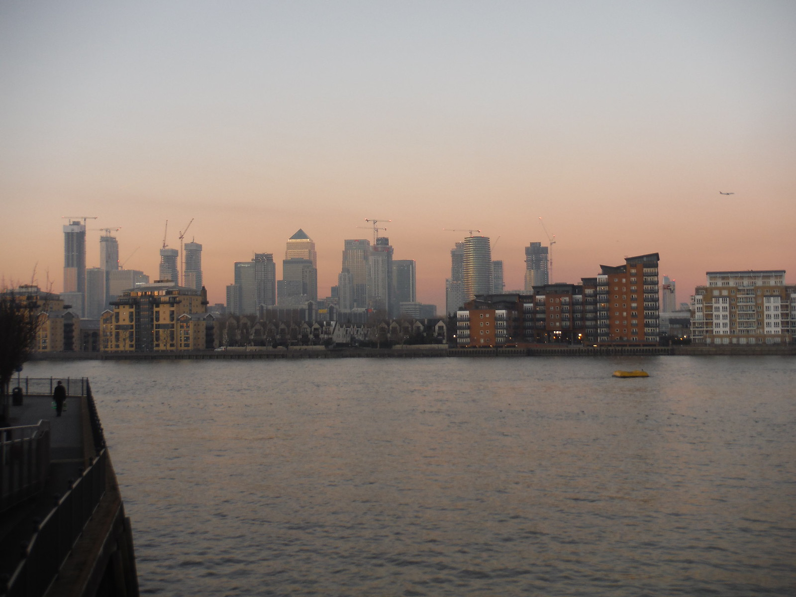 Canary Wharf across The Thames SWC Short Walk 36 - Waterlink Way (Lower Sydenham to Greenwich)