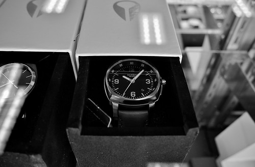 P1330114 Nixon (American Design) Dress Watch, T City, Los Angeles | by 中途下車