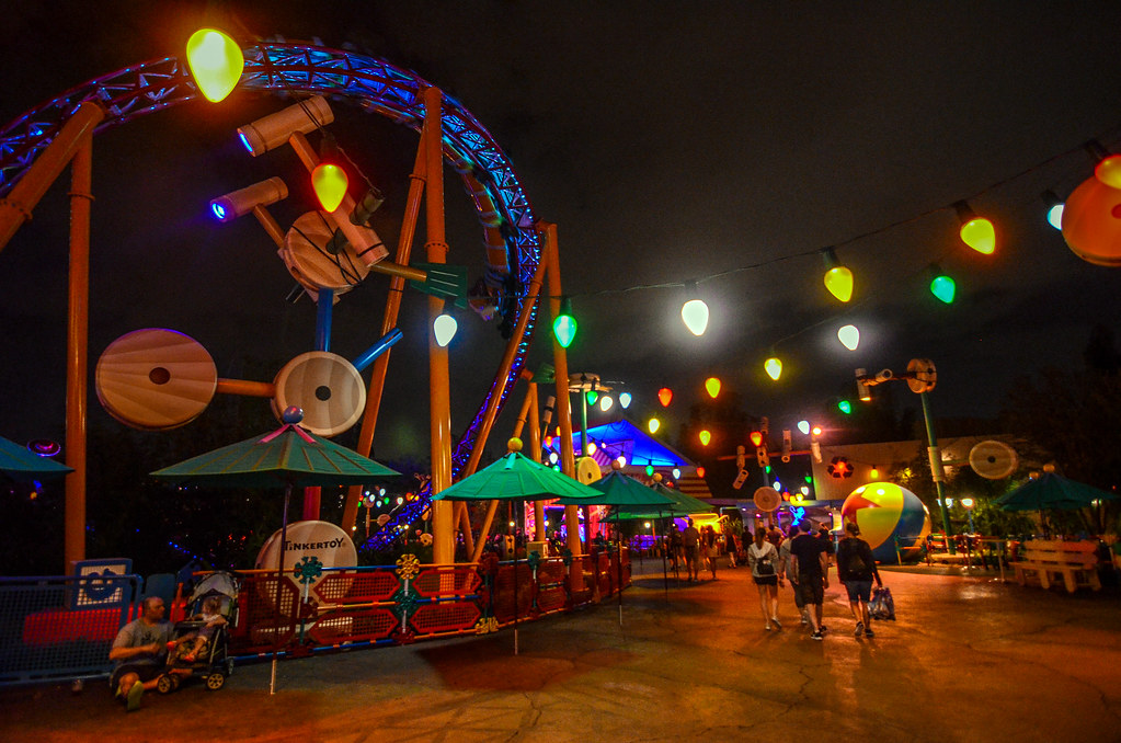 Toy Story Land night DHS