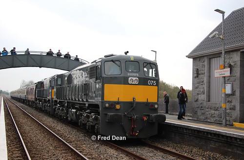iarnrodeireann westawakerailtour irishrail 071class 075 082 castlerea roscommon castlereastationroscommon april2019 generalmotors electromotivedivision midlandgreatwesternrailway mgwr loco locomotive