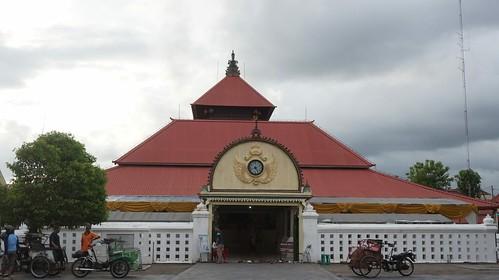 Masjid Gedhe Keraton Yogyakarta (pict : Muhammad Faiz) | by genpijogja