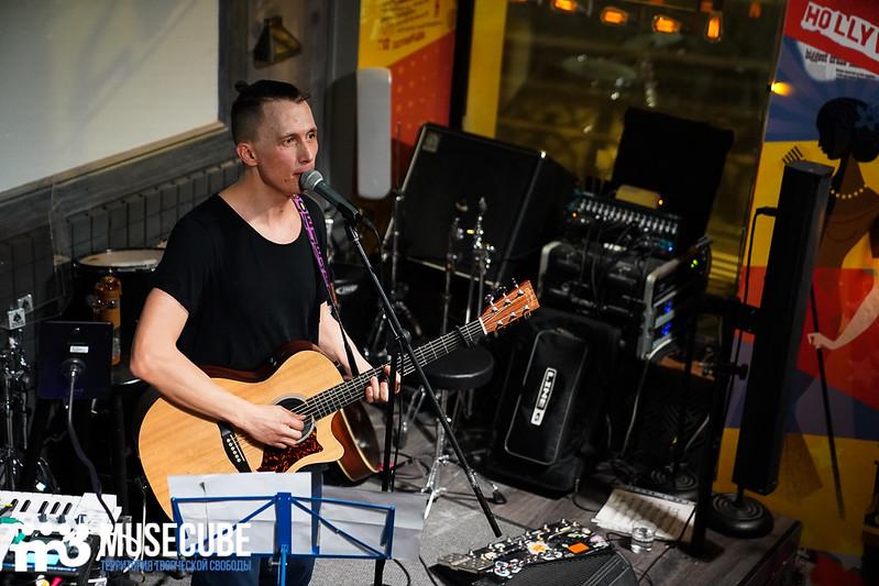 acoustic_boy_046