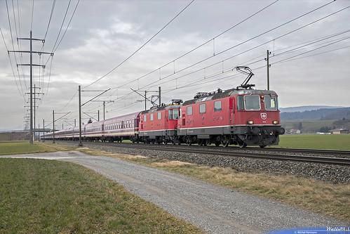 Re 420 11199 + Re 420 11191 SBB-CFF  Leerfahrt Olten Sierre-Siders über BLS für Sonderzug . Intersoc . 13464 Sierre-Siders Bruxelles Midi- Brussel Zuid . Kiesen . 23.01.19.