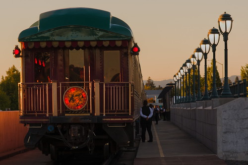 train twilight outside colors lights california napa nikond3400
