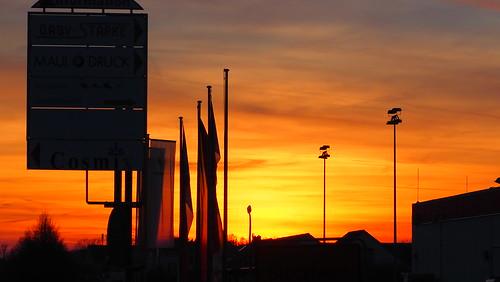 dusk germany deutschland stöckheim braunschweig flagge fahne flag