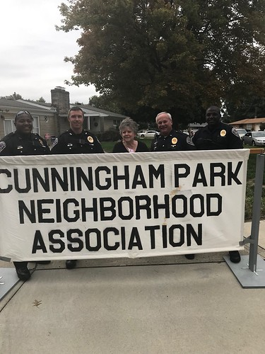 SPD Attends Cunningham Park Neighborhood Association Party
