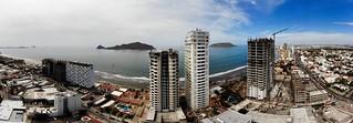 Torre. Tramontó en construcción. Zona dorada. Mazatlán Sinaloa | by davidrove65
