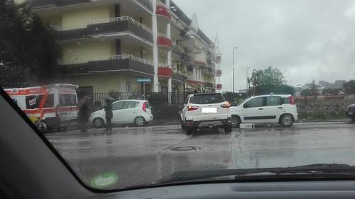 incidente stradale via dei peuceti   by LA VOCE DEL PAESE