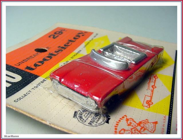 Tootsietoy - HO 1960 Ford Convertible