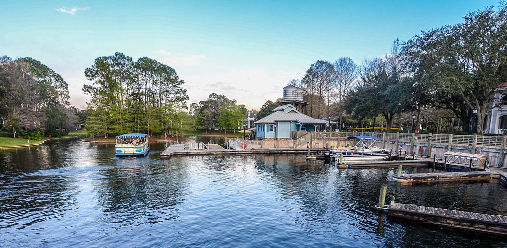 Port Orleans Riverside boat