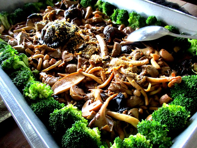 Mushroom broccoli