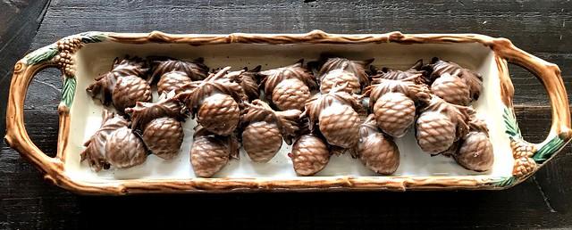 (tartine soft glazed gingerbread) pinecones