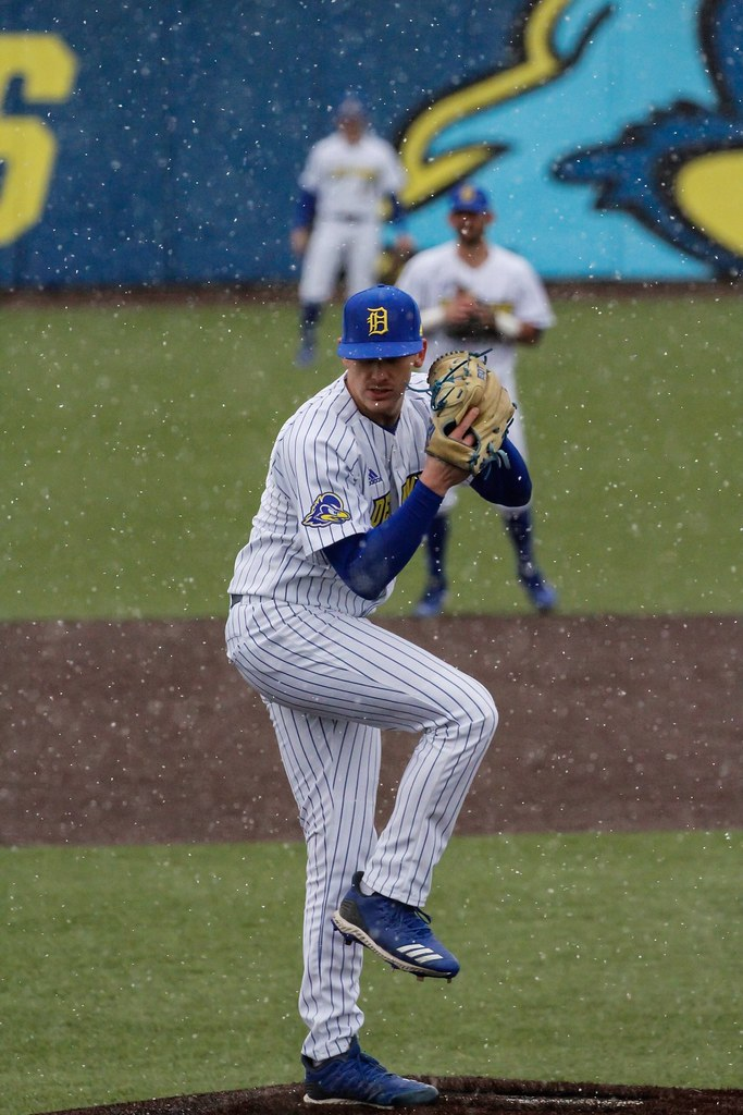 Blue Hens baseball comes up short in the home opener, sweeps Sunday doubleheader