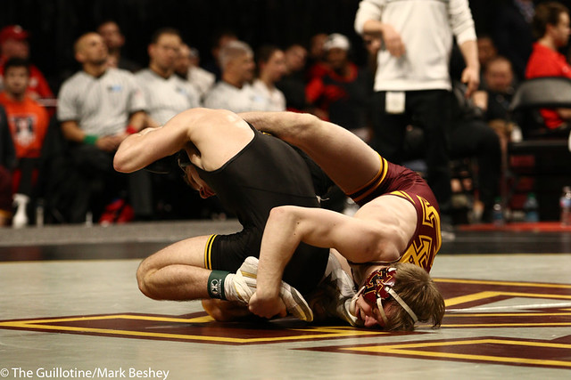 3rd Place Match - Ethan Lizak (Minnesota) 28-5 won by decision over Austin DeSanto (Iowa) 18-4 (Dec 6-2) - 190310dmk0055