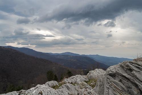 landscape nature clouds gray sky mountain rocks italy trees wide giuseppeoricchio nikon d3100 dslr nikkor 1855mm natura paesaggio grandangolo nuvole rocce alberi cielo italia montagna