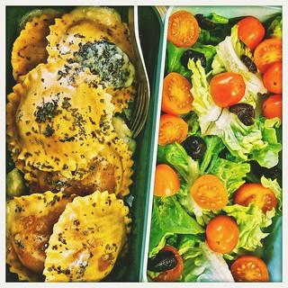 (50% raw food) Vegetarian BENTO Aubergin Ravioli + tomato-olive salad