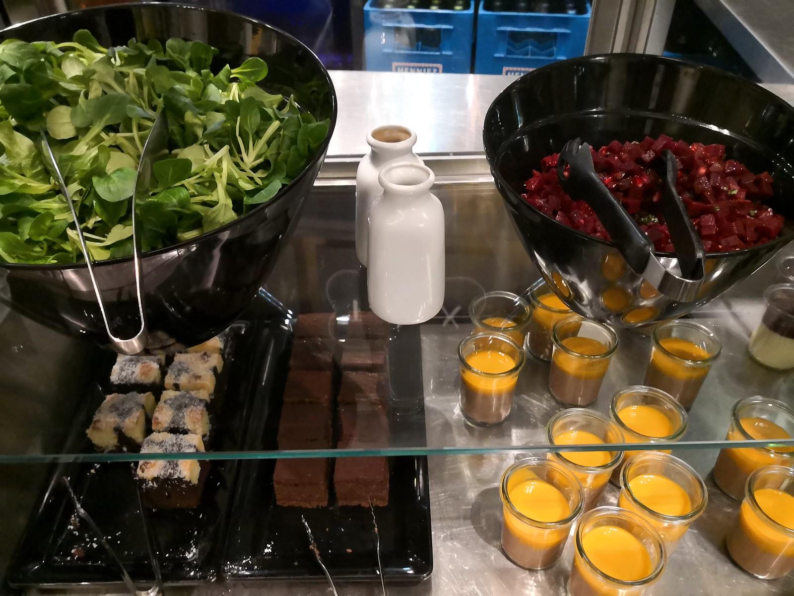 Salad and desserts