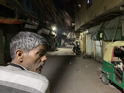 City Hangout - Walled City at 4 am, Old Delhi