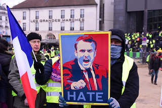 Gilets jaunes #12 | by Christophe Becker