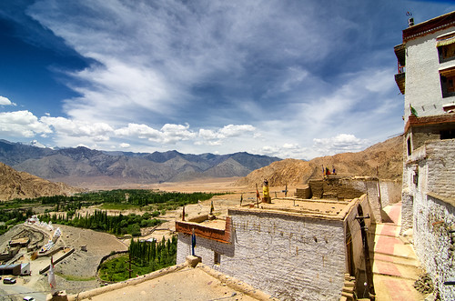 travel india landscape landscapes monastery himalayas ladakh gompa phyang himalayanvillage himalayanlandscape phyangmonastery harshweather indiantravel himalayanranges landscapeinladakh exploringinfinity viewfromgompa