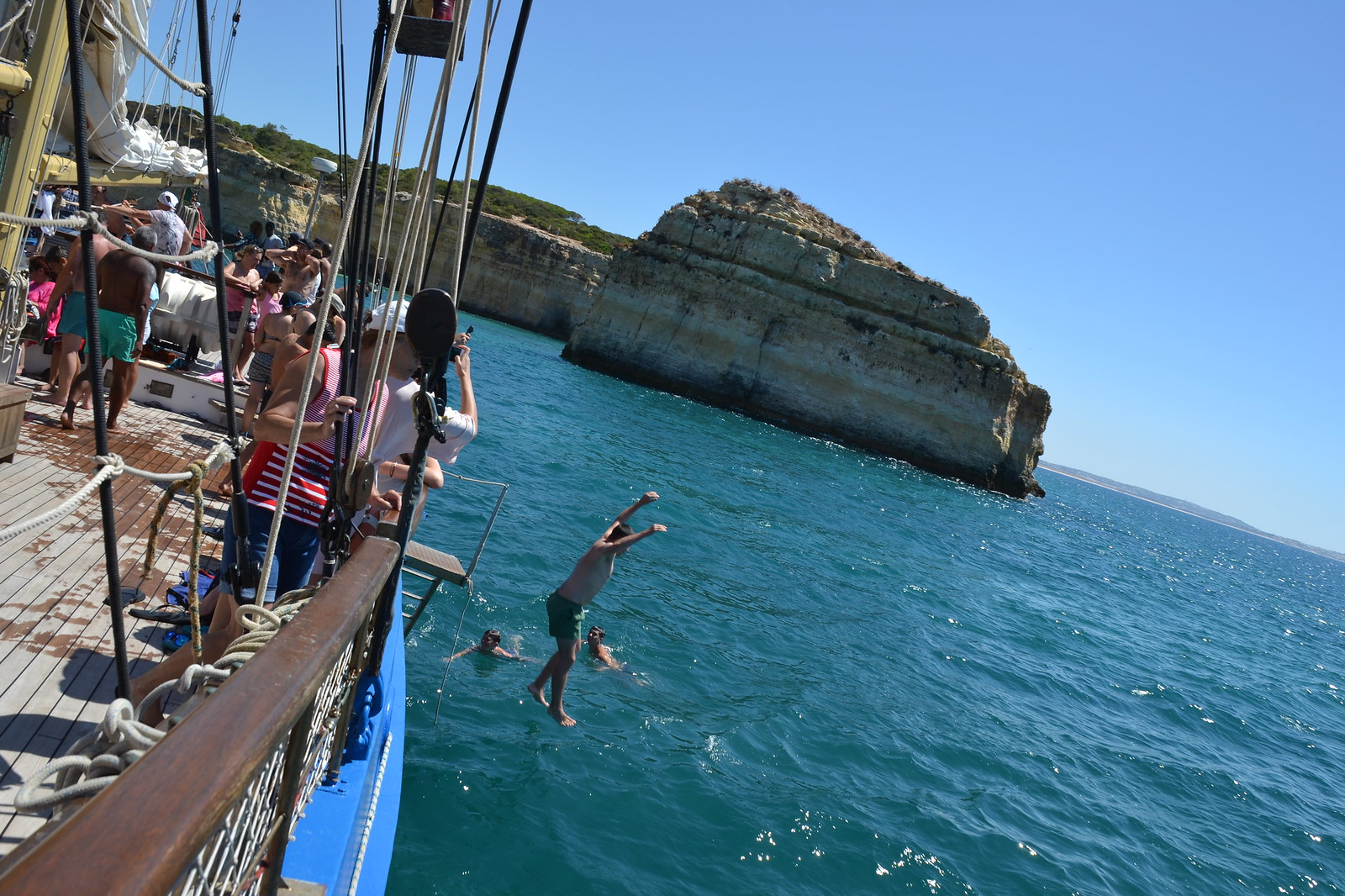 Condor de Vilamoura Jumping from the boat