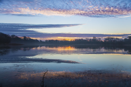canon5dsr landscape watersacpe dawn morning sunrise water lake reflection sky clouds outdoors nature uk cambridgeshire