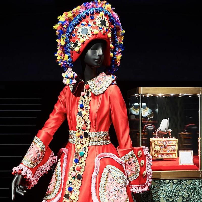 Выставка Artistic and Traditional на Миланской неделе дизайна