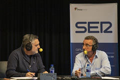 El concejal de Inmigración José Luis Araujo habla sobre las políticas del Ayuntamiento ermuarra con Juanma Cano.