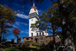2013-10-14_112301_2682_TalcottMountainStatePark_CT   by JasonBeam
