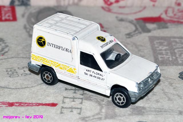 N°233 Renault Express - Page 2 46284969905_2c3b260400_z