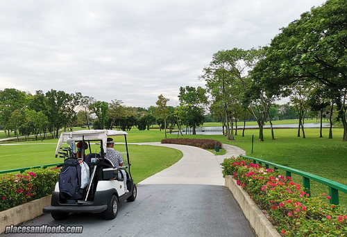 eastin thana city golf buggy | by placesandfoods.com